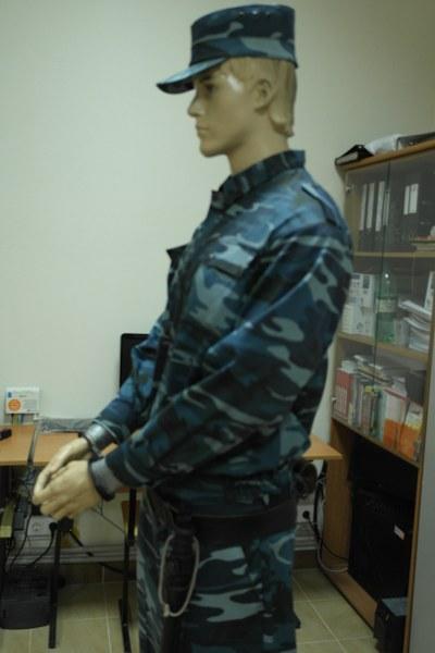 23 применение наручников на манекене